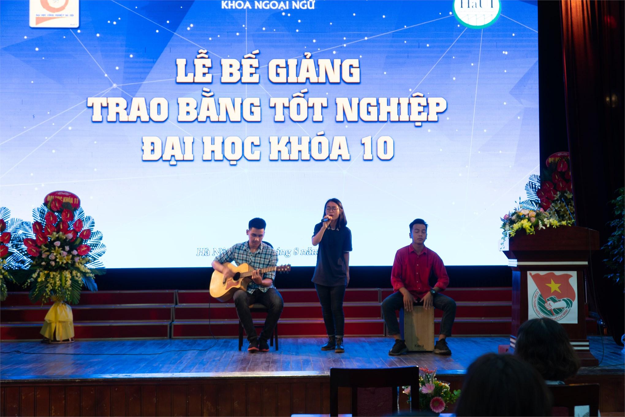 Lễ bế giảng Đại học chính quy Khóa 10