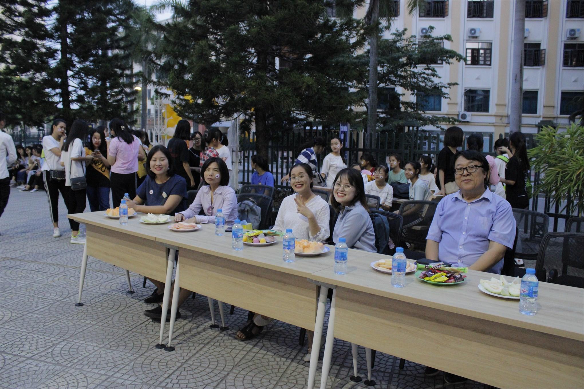 Offline kỉ niệm 1 năm thành lập Câu lạc bộ K4U